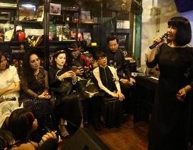 """Sài Gòn mưa tầm tã, đêm nhạc """"Nhớ Trịnh Công Sơn"""" vẫn ấm áp"""