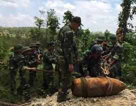 San ủi vườn phát hiện quả bom nặng hơn 300 kg