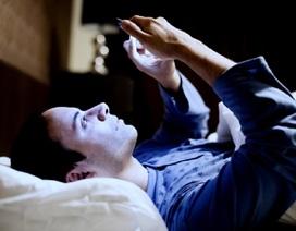 Vì sao nên ngừng sử dụng điện thoại vào ban đêm?