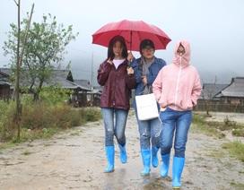 Hoa hậu Đỗ Mỹ Linh mắc kẹt ở Yên Bái vì mưa lũ