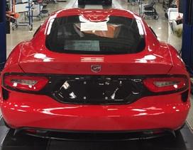 Không thể lắp thêm túi khí, dòng xe cơ bắp Dodge Viper bị khai tử