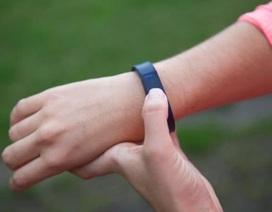 Cấm học sinh mang fitbits và đồng hồ thông minh vì gây hại sức khỏe