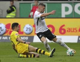 Dortmund rơi điểm đáng tiếc, Bayern Munich thắng nhọc Hamburg