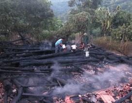 Mâu thuẫn với vợ, châm lửa đốt nhà cháy rụi