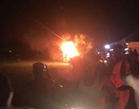 Khởi tố 3 đối tượng đốt xe giám đốc vì nghi bắt cóc trẻ em