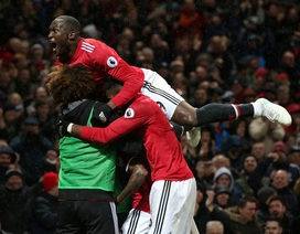 MU 1-0 Brighton: Vận may của Ashley Young
