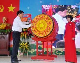 Chủ tịch UBND TP Hà Nội đánh trống khai giảng năm học mới