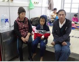 Xót thương cậu bé 7 tuổi mắc bệnh tan máu bẩm sinh, mẹ bị câm điếc
