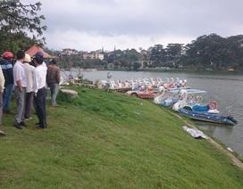Tài xế taxi lao xuống hồ Xuân Hương cứu người tự tử