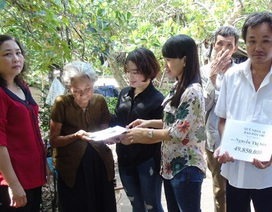 Gần 50 triệu đồng đến với cụ bà Nguyễn Thị Sáu