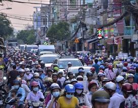 Kẹt xe trầm trọng khu vực cầu Nhị Thiên Đường