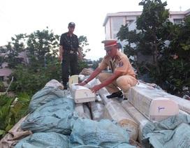 Bắt xe tải chở hàng trăm máy lạnh nhập lậu