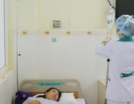 9 khách du lịch vào viện cấp cứu nghi ngộ độc thực phẩm