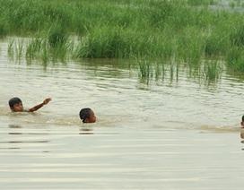Hà Nội: 5 nam sinh chết đuối thương tâm khi đi câu cá