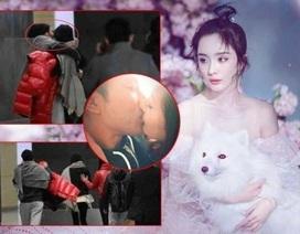 """Lộ ảnh vợ chồng Dương Mịch - Khải Uy """"khóa môi"""" say đắm trên phố"""
