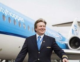 Vua Hà Lan bí mật làm phi công chở khách suốt 21 năm