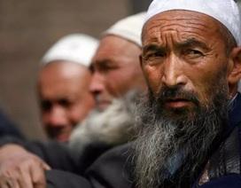 Trung Quốc ban hành lệnh cấm để râu dài ở Tân Cương