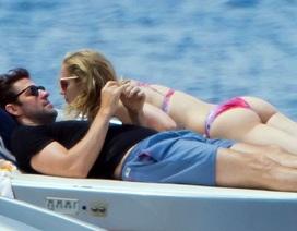 Emily Blunt hạnh phúc trong kỳ nghỉ cùng chồng
