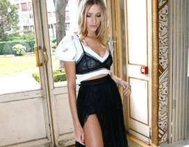 Vợ tỷ phú Nga lăng xê mốt áo lót mặc bên ngoài