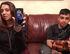 Không chỉ sinh đôi, Face ID trên iPhone X còn bị qua mặt bởi... 2 mẹ con