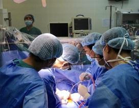 Phẫu thuật cứu sống bệnh nhân bị phình động mạch chủ ngực phức tạp