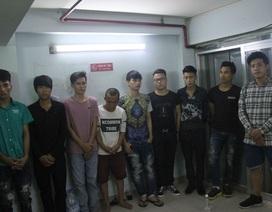 Công an nổ súng khống chế nhóm giang hồ cố thủ trong nhà hàng ở Sài Gòn