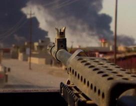 Binh sĩ Iraq liều mình cứu cụ bà giữa làn đạn của IS