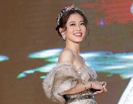 Nữ sinh cao 1m73 đăng quang quán quân Gương mặt trang bìa 2017