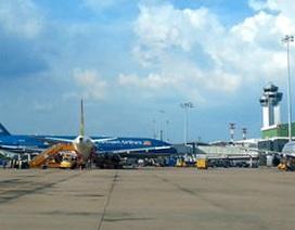 Khách bay Hà Nội-TPHCM không có chỗ tăng cao: Do Jestar hủy chuyến vì...thiếu phi công!