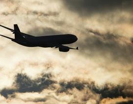 Phi công kịp bẻ lái, gần 900 hành khách thoát chết trong gang tấc