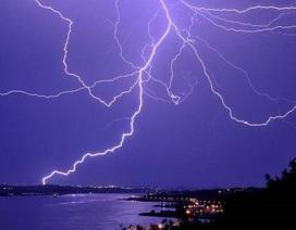 Tia chớp gây ra các phản ứng hạt nhân trên bầu trời Nhật Bản