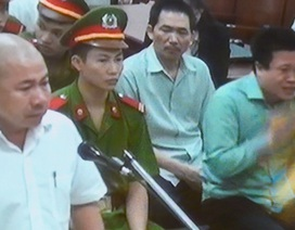 Hà Văn Thắm bật khóc khi thuộc cấp nói lời động lòng