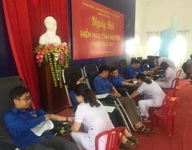 Hà Tĩnh: Hơn 350 cán bộ, đoàn viên tham gia hiến máu tình nguyện