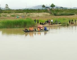 Thuyền lật lúc đi đánh cá, 2 cha con bị nước cuốn trôi