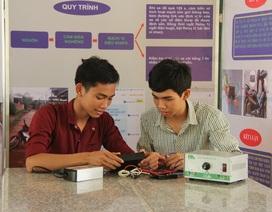 Học sinh trường huyện chế thiết bị báo tin tai nạn qua điện thoại
