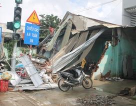 Vụ xe tải tông sập 4 nhà dân:  Mệt mỏi chờ bồi thường