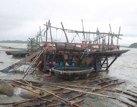 Ngư dân đứng nhìn 10 tỷ đồng tan tành trong giông lốc