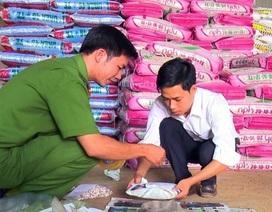 Phát hiện lượng lớn phân bón kém chất lượng, quá hạn chuẩn bị bán ra thị trường