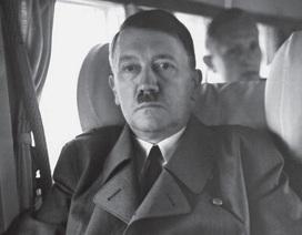 Cận vệ của Hitler kể lại vụ tự sát của trùm phát xít bên trong boong-ke