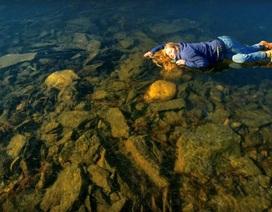 """Hồ nước đóng băng phát ra âm thanh kỳ quái như người ngoài hành tinh đang """"hát"""""""