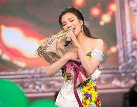 """Hồ Quỳnh Hương, Tùng Dương """"làm hòa"""" sau """"chiến tranh"""" ở X-factor"""