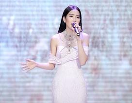 Top 8 Hoa hậu Trái Đất Nam Em lộng lẫy trên thảm đỏ