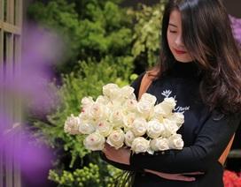 """Ngày 8/3: """"Độc"""", lạ hoa hồng phủ chocolate Hà Lan, giá """"chát"""" vẫn """"cháy hàng"""""""