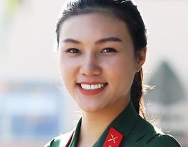 Triết lí sống của Á khôi đại học xinh đẹp tự nguyện nhập ngũ