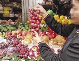 Hoa quả Trung Quốc hàng tháng trời không hỏng: Chuyên gia cảnh báo độc hại - cục vẫn bảo... an toàn!