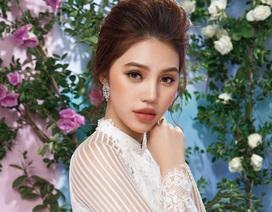 """Hoa hậu """"Hội con nhà giàu Việt"""" Jolie Nguyễn đẹp thướt tha trong tà áo dài"""