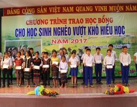 Quảng Trị: Trao 100 suất học bổng đến học sinh nghèo vượt khó hiếu học