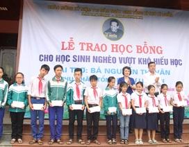 Quảng Trị: Trao 110 suất học bổng đến học sinh nghèo vượt khó tại quê hương cố Tổng bí thư Lê Duẩn