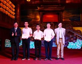 Trao học bổng Vallet đến học sinh, sinh viên giỏi tỉnh Thừa Thiên Huế