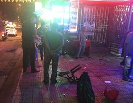 Gần 10 thanh niên cầm hung khí truy sát nhau gây náo loạn cả khu phố